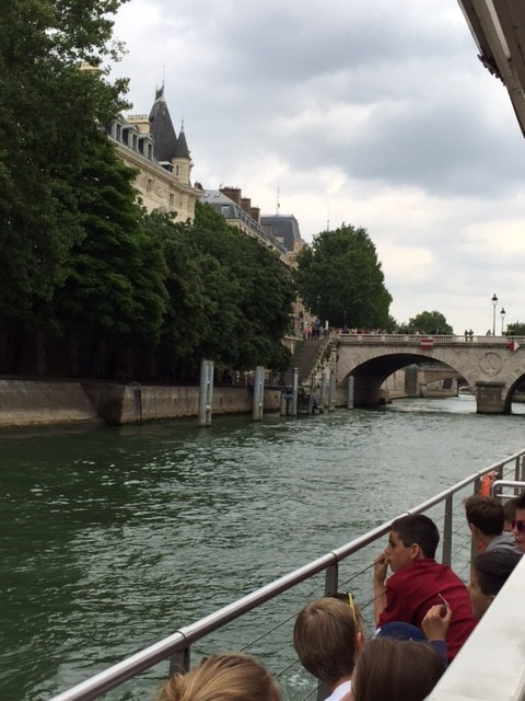 Boat trip along the Seine with lots of school children