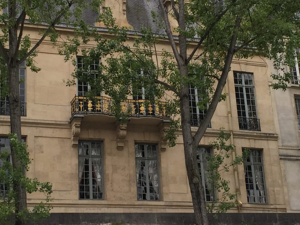 Every where you turn in Paris, there is such beauty. Gold window railings.